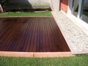 Manutenzione del legno esterno quali prodotti scegliere - Prodotti per pulire le fughe dei pavimenti ...