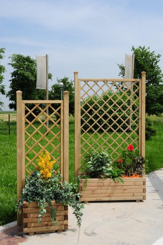 Grigliati per giardino in legno pratici robusti e su misura - Grigliati da giardino ...